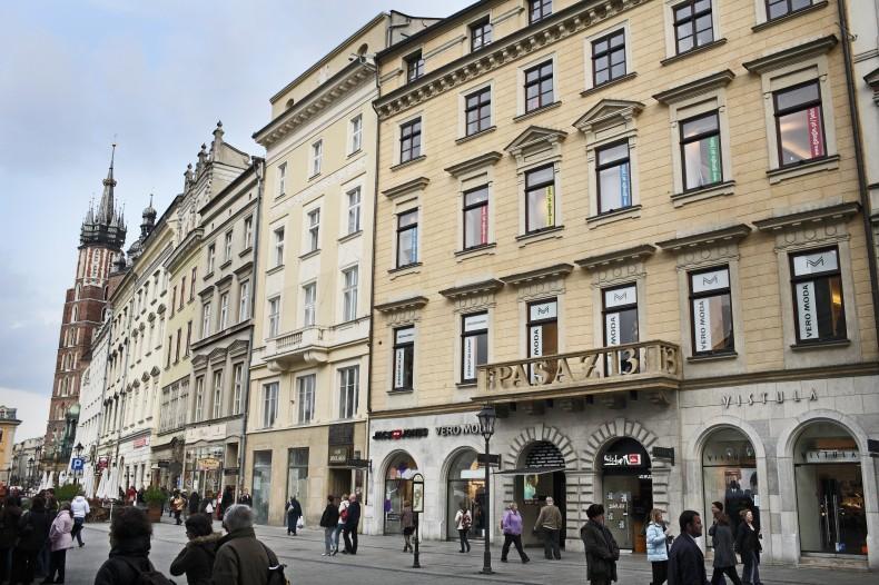Oddział Google w Krakowie, Rynek Główny 12 - montaż systemu CITY MULTI firmy MITSUBISHI ELECTRIC.